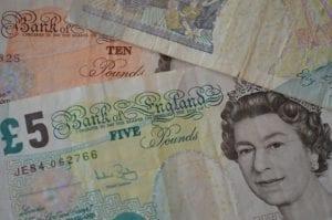 british-pounds-166847_640