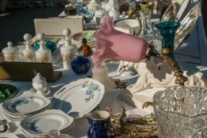 antiques in market