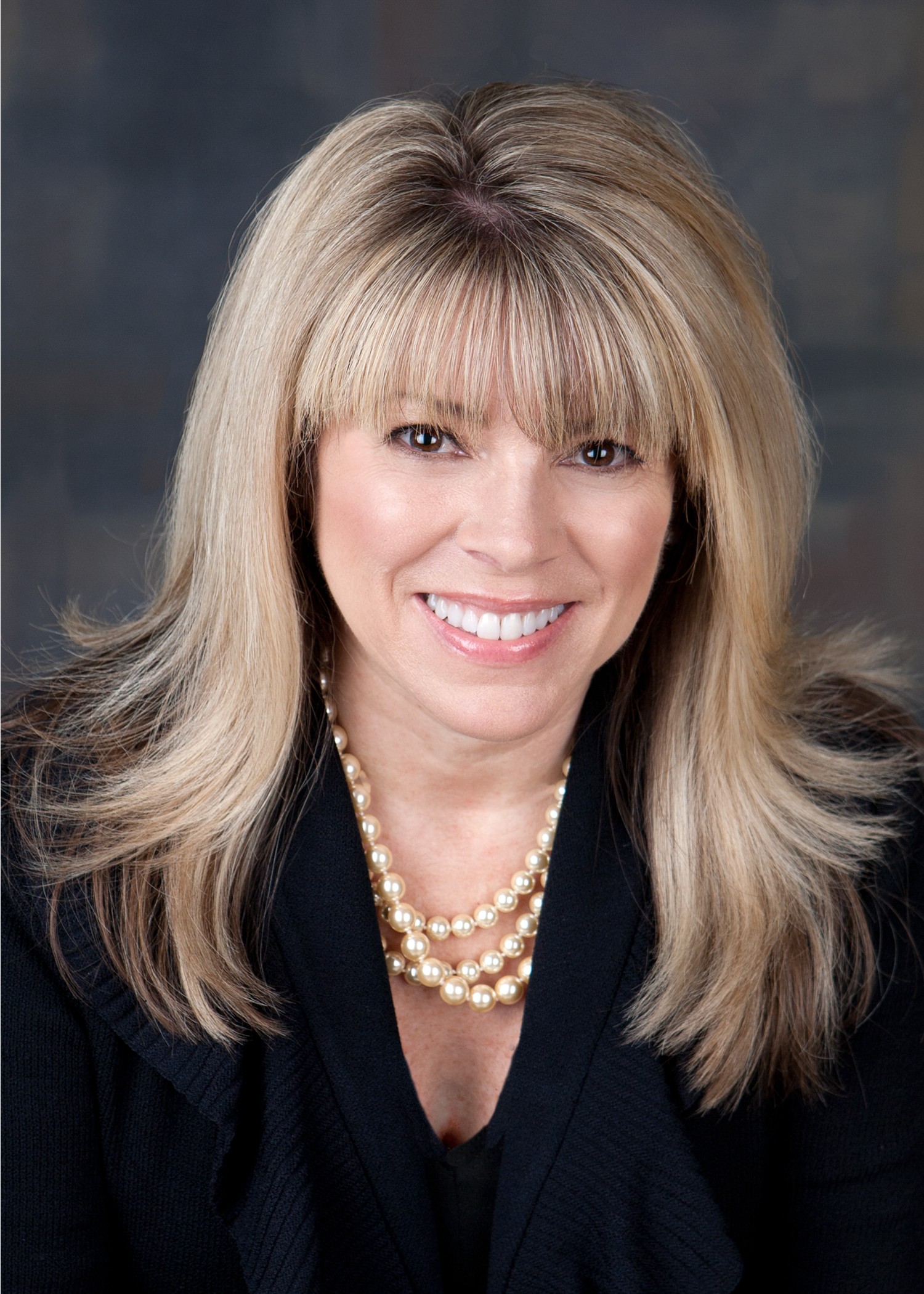 Laurie Kouzes Headshot